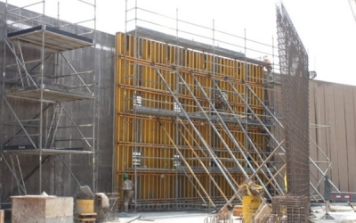 FORMWORK AND SYSTEM SCAFFOLD